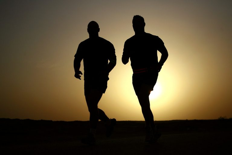 runners silhouettes athletes fitness 39308