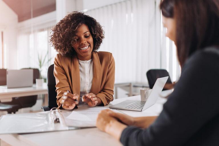 woman-giving-financial-advice
